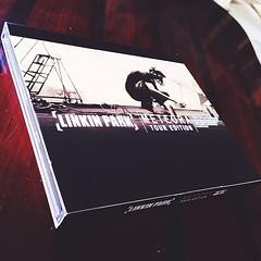 ปล่อยอัลบั้มมาจนครบรอบ 11 ปี  เพิ่งจะไปหาซื้อมา ดีใจที่ยังผลิตขาย อัลบั้มที่ชอบที่สุดของ Linkin Park หลายเพลงที่ยังตราตรึงใจ รวมอยู่ในนี้ คิดถึงเพื่อนเก่าที่เคยนั่งฟังเพลงด้วยกัน  #LinkinPark #Meteora #032503