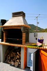 Barbacoa y Mini - Nevera Situadas En Terraza (brujulea) Tags: rural casa mini can casas castello terraza castellon barbacoa nevera rurales pitu alfondeguilla brujulea situadas