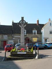 First World War Memorial, Malmesbury (pefkosmad) Tags: triangle memorial cross market worldwari celtic wiltshire firstworldwar malmesbury sundaydrive sheepfair