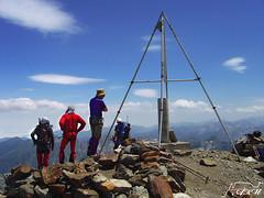 Pisando cima (Alfer520) Tags: huesca pico alpinismo cima pirineos cumbre balaits brechalatour alfer520