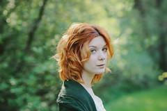 """""""Vous navez pas les os en verre, vous pouvez vous cogner  la vie."""" (L e t i) Tags: portrait green beauty woodland eyes magic 85mm redhead le destin gaze beatrice bellezza poulain fabuleux nikond700 damlie lvphotography"""