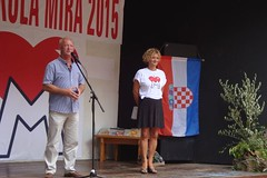 "Franjo Habulin i Sanja Bosnić voditeljica škole • <a style=""font-size:0.8em;"" href=""http://www.flickr.com/photos/101598051@N08/19922436058/"" target=""_blank"">View on Flickr</a>"