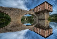 Moulin de Millau (ellen-ow) Tags: millau moulindemillau architektur mühle gebäude brücke landschaft landscape fluss himmel spiegelung cloud bridge old alt reflection ellenow inexplore
