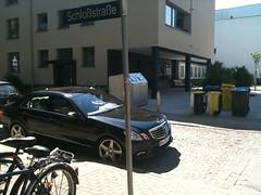 IMG_0295 (photo.graf) Tags: noparking hamburg verkehr radweg parken gehweg halteverbot strafzettel parkverbot verwarnung owi knllchen falschparker verkehrsberwachung verwarngeld stvo verkehrsbehinderung radfahrstreifen schutzstreifen ordnungswidrigkeit eingeschrnkteshalteverbot parkingforbidden strasenverkehr busgeld strasenverkehrsordnung verkehrsverstos parkraumberwachung zeichen283stvo zeichen286stvo mediablog24 rmentschke renementschke dpba photograf360 photograf radweghindernis gehwegblockierer radwegblockierer zweitereiheparker gehweghindernis tbnr102000 tbnr102100 tbnr112402 tbnr141100 zeichen237 parkenaufdembehindertenparkplatz tbnr142278 stvovorschrift absolutesparkundhalteverbot