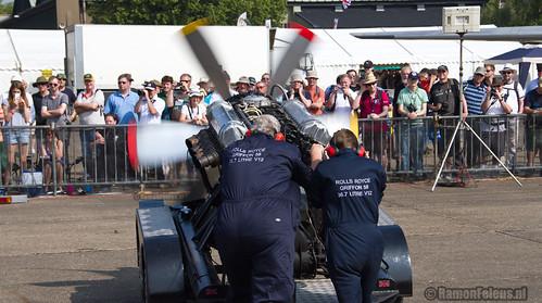 Rolls Royce Griffon engine demo