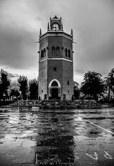 Tiempo! (Poler Gutz Q.) Tags: viaje blanco lluvia torre negro reloj puebla bnfotografia