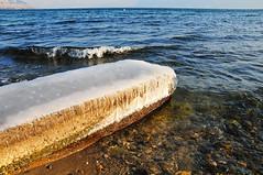 mille-feuille gant avec glaage  la crme.... (www.nathalie-chatelain-images.ch) Tags: suisse hiver gel ponton vaud laclman lausannne
