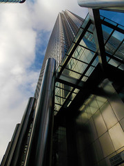 1 Canada Square, Canary Wharf (London Less Travelled) Tags: urban london bank docklands canarywharf financial development finance eastlondon dockland canadasquare isleofdogs