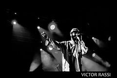 Criolo (victorrassicece 2 millions views) Tags: show brasil canon américa musica hiphop rap pretoebranco goiânia goiás américadosul 2014 musicabrasileira 20x30 rebelxti canoneosdigitalrebelxti criolo canonefs1855mmf3556is duasdecinco klebercavalcantegomes