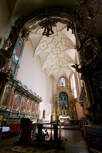 Prezbiterium kościoła Wniebowzięcia NMP i św. Stanisława BM w Bodzentynie