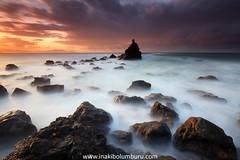 REENCUENTROS (Obikani) Tags: meñakoz bizkaia euskadi biscay ocean sea seacape landscape nature rocks sunset color colorful beatuy beautiful longexposure canonikos