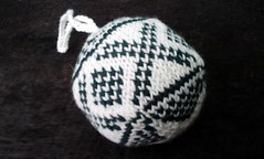 Second Christmas ball for May (Bonito Club) Tags: knitting christmasballs knitalong julekuler arnecarlos merrykal