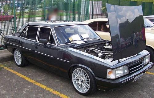 Opala Diplomata com rodas de BMW