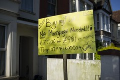Buy my flat!! (louisahennessysuou) Tags: uk england sign flat essex southend southendonsea southchurch boscomberoad walkroundtheblock