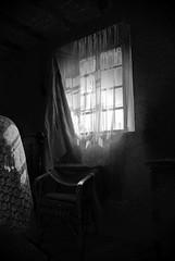 DSC_4252M (MILESI FEDERICO) Tags: camera italy nikon italia finestra piemonte dettagli artistica sedia piedmont dettaglio poltrona abbandono milesi nikond80 tempopassato milesifederico