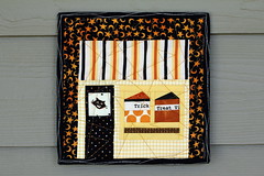 Halloween Cafe Front (Modern Quilting by B) Tags: halloween paper penguin pattern quilt free super mug rug piece coaster along wallhanging