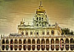 La otra cara de la fe - The other side of faith (*atrium09) Tags: people india reflection architecture gold agua mosque personas reflejo mezquita reflexo hdr arcs reflejos wather arcos atrium09 rubenseabra