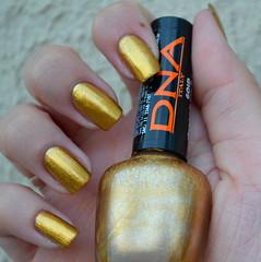 8. Desafio das 31 Unhas: Metlicas (anaclara_po) Tags: gold nail dourado nails dna nailpolish unhas nailart naillacquer