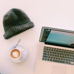 (amritamaz) Tags: coffee coffeeshop latte coffeetable beanie latteart iphone steamedmilk macbookpro joetheartofcoffee iphone5s