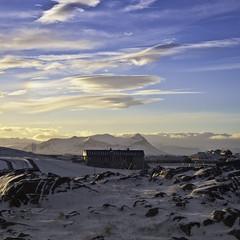 Síðdegi (geh2012) Tags: houses snow clouds iceland ísland stykkishólmur snæfellsnes hús snór ský geh bjarnarhafnarfjall gunnareiríkur
