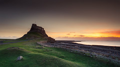Lindisfarne Castle, Holy Island (Alistair Bennett) Tags: seascape castle sunrise coast rocks northumberland holyisland lindisfarne canonef1740mm4lusm gnd075he gnd045se