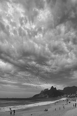 Pr do sol no Arpoador - Sunset at Arpoador (adelaidephotos) Tags: sunset sea brazil people bw primavera rio brasil riodejaneiro mar blackwhite spring pessoas rocks afternoon cloudy dusk pb prdosol nublado pretoebranco tarde pedras springtime anoitecer arpoador pedradagvea pretobranco morrodoisirmos gavearock twobrothershill mariaadelaidesilva