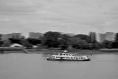 Antwerpen (Xabier Alonso) Tags: sea blackandwhite bw motion port harbor boat blackwhite nikon belgium belgique harbour motionblur antwerp antwerpen amberes flanders blgica flandes d3000 nikond3000