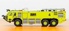 TWH Oshkosh Striker 3000 ARFF YVR - V (KNL-17) Tags: nikon 150 firetruck yvr speedlight oshkosh scalemodel twh vancouverinternationalairport arff sb900 d3s nikkorafs2470mmf28g oshkoshstriker3000
