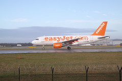 easyJet A319-111 G-EZBT (callumjones1) Tags: manchester us airport thomas cook virgin emirates american monarch thomson airbus boeing aer ryanair airways klm easyjet qatar austrian bombardier lingus jet2 flybe aurigny