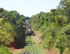 16596 BB36-7 #745 + DDM45 #870 com trem C745 chegando em Uberlndia MG, vindo de Uberaba     (1) (Johannes J. Smit) Tags: brasil vale trens vli
