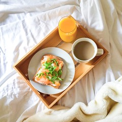 Standard Monday breakfast  #dayoff #smokedsalmon #breakfastinbed #glutenfree (milastatham) Tags: smokedsalmon breakfastinbed dayoff glutenfree