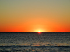 Slipping Away (Pandora-no-hako) Tags: florida beach ocean gulfofmexico sunset vacation 2017 bonitasprings