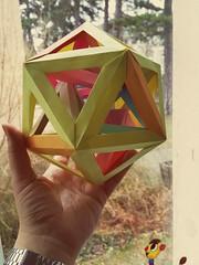 Six tetrahedra in an icosahedron. (Aneta_a) Tags: origami modularorigami polyhedron polyhedra polypolyhedra icosahedralsymmetry octahedralsymmetry simplepaper icosahedron tetrahedron dirkeisner francisow tomokofuse