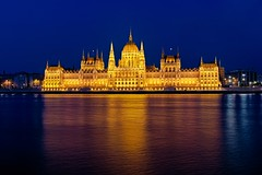 Hungarian Parlament & Blue Hour (Luís Henrique Boucault) Tags: travel blue sunset vacation colors night canon river europe hungary budapest east clear hour luis parlament hdr henrique 6d danubio országház boucault