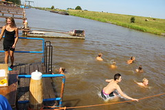 Reitdieptochten Garnwerd 2013 120 (AWJ Hefting) Tags: swimming reitdiep garnwerd zwemmen reitdieptochten