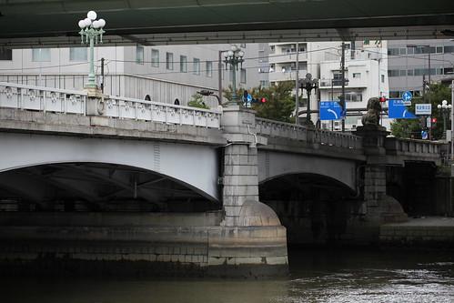 難波橋北詰交差点
