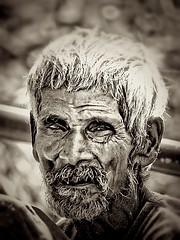 Old man - Face in Nepal (*atrium09) Tags: old nepal portrait white man black men blancoynegro blanco face retrato negro cara anciano hdr hombre atrium09 rubenseabra whiteblac