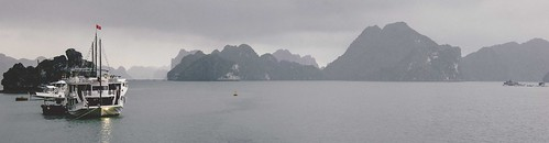Ha Long Bay - Boat Pano