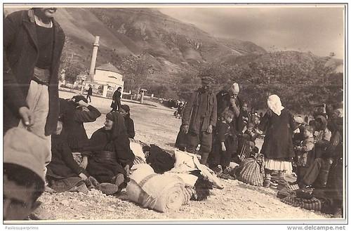 Berat, Бэрат. Në treg. At the market. Au marché. En el mercado. Al mercat. 1939-1943?