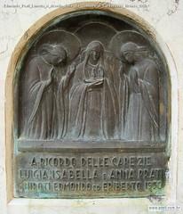Edmondo Prati Lunetta A ricordo delle zie Cimitero di Caldonazzo Bronzo 1950