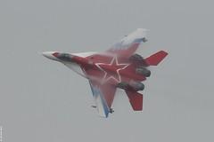 MiG-29OVT at MAKS 2013, tightly turning in moist conditions (Jeroen.B) Tags: force moscow air jet 29 russian vapor federation mig gurevich mikoyan maks ovt mig29 zhukovsky fulcrum 2013 ramenskoye mig29ovt россии миг29 zhukovskyairbase военновоздушные cилы maks2013 rfaf