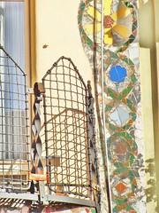 (Joan Pau Inarejos) Tags: barcelona iris art collage casa arquitectura arte mosaico colores gaudí catalunya popular abstracto modernismo belleza cerámica casabatlló mediterráneo modernisme modernista batlló antonigaudí abstracción eixample passeigdegràcia trencadís paseodegracia teselas casadelsossos irisado provinciadebarcelona barcelonaciudad barcelonaciutat