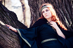 Medieval (Danielle Fiore) Tags: autumn portrait italy beauty fashion lady torino costume spring ancient italia dress gothic goth medieval fantasy autunno turin alternative abito valentino medioevo medievaldress classicphotography classicportrait alternativemodel daniellefiore medievalady