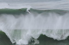 Courageous (Joe Richland) Tags: california big waves cove places lajolla overhead