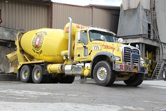 NYCON Supply (118) (RyanP77) Tags: new york city nyc building truck concrete island long state cement mixer empire granite trucks local mack supply schwing teamster 282 mcneilus nycon