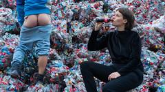 critic on coke (Nutch3) Tags: coca cola cocacola arsch kapitalismus turbokapitalismus popo plastik ass wazoo bastard bugger sod arse butt cunt schmuck