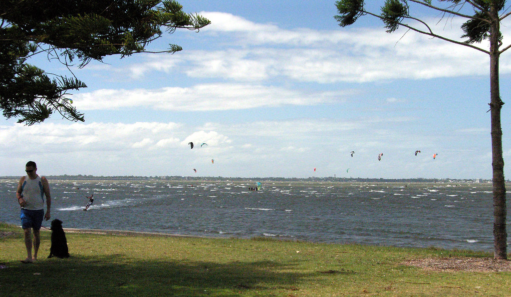 Q875 Kite Surfing, Sandgate foreshore Summer