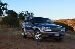 Explorer. (R/Y/A/N) Tags: blue ford car truck evening explorer tan suv mcclure