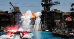 Water World IMG_9593 (grebberg) Tags: universalstudios la losangeles california show stuntman pyro waterworld usa
