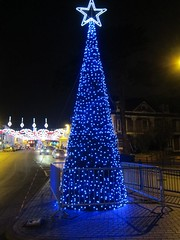 Blue Christmas Tree (Heaven`s Gate (John)) Tags: christmas blue england tree night festive lights star sparkle stratford stratforduponavon bridgestreet 10faves johndalkin heavensgatejohn